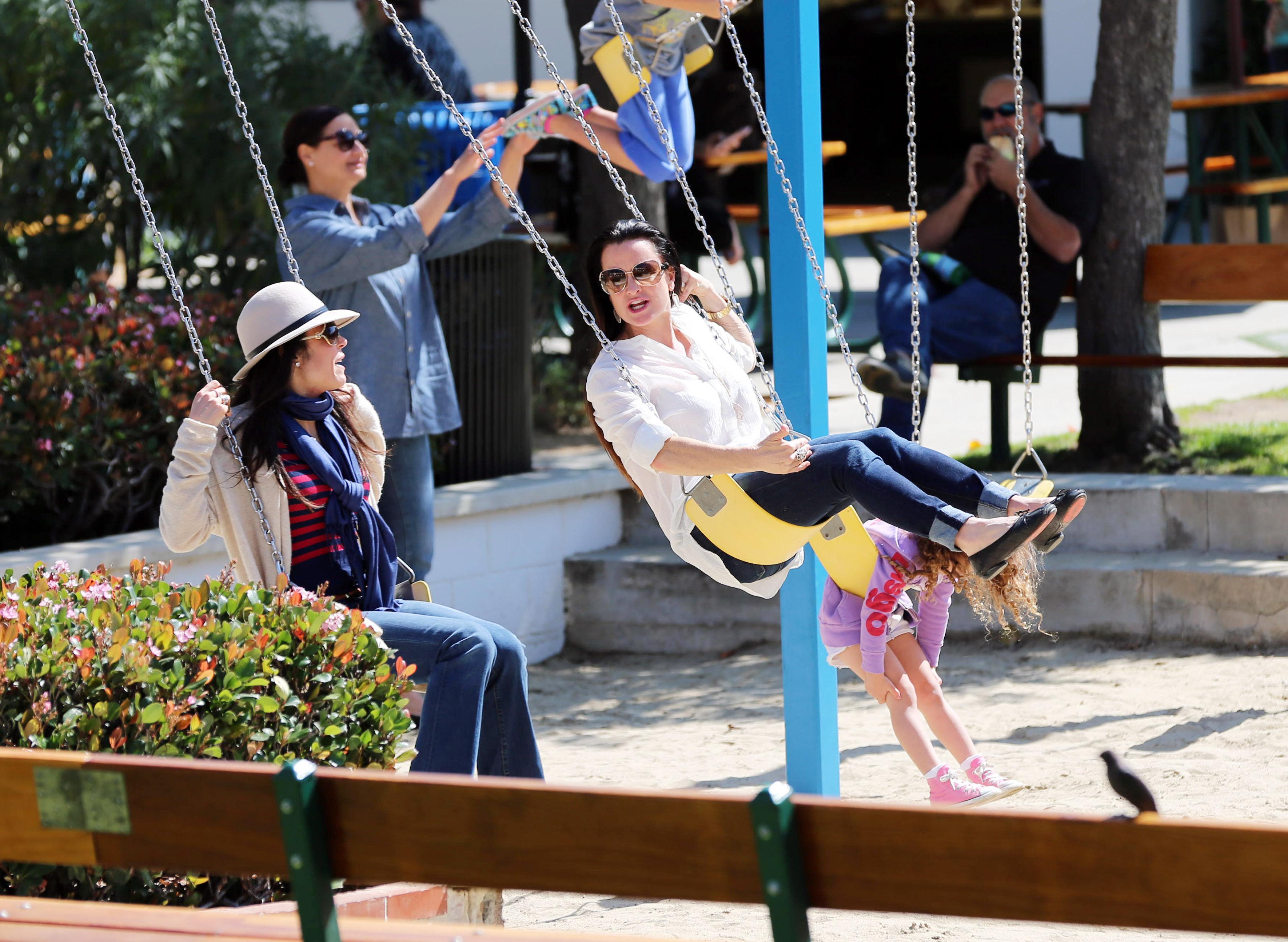 Swinging Housewives In Malibu New York Gossip Gal By Roz