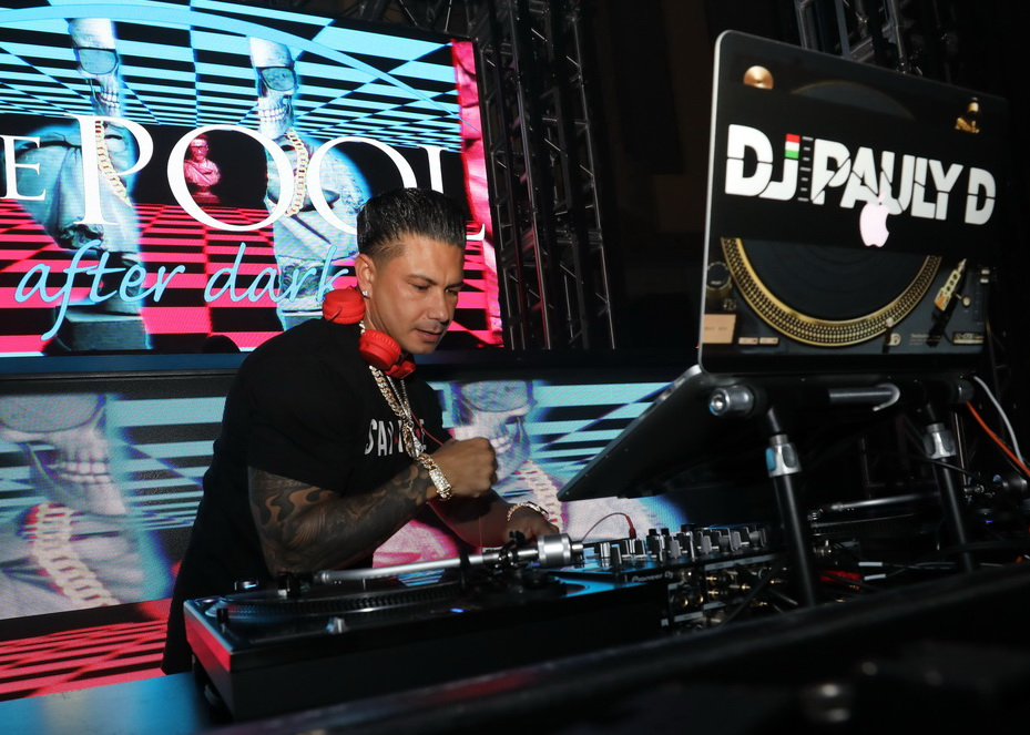 Perignon and Pizza for DJ Pauly D at Harrah's AC Pool After Dark